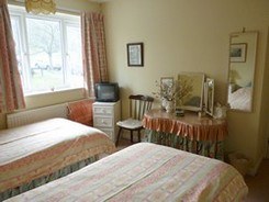 hotel in Marlow - twin bedroom